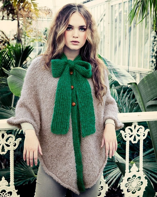 green bow cape
